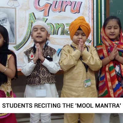 Students-reciting-the-'Mool-Mantra'